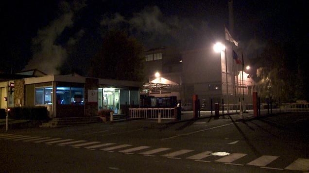 les-hutchinson-usine-nuit-2